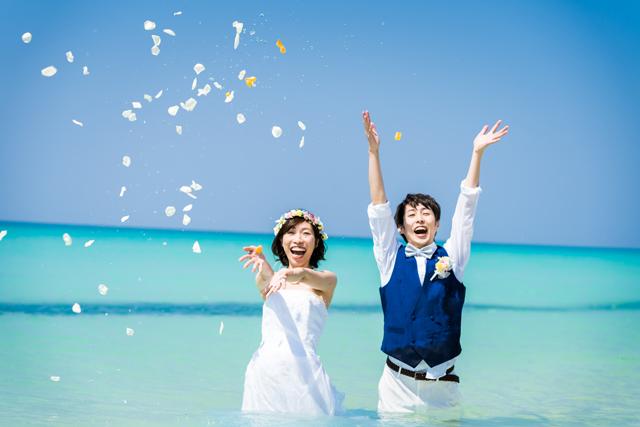 沖縄ビーチフォト|沖縄ウェディングオンライン