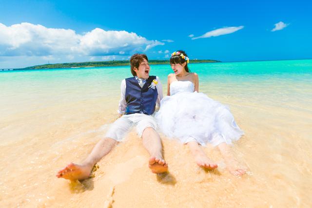 やっぱり大人気 海でのフォトウェディング 沖縄ウェディングオンライン