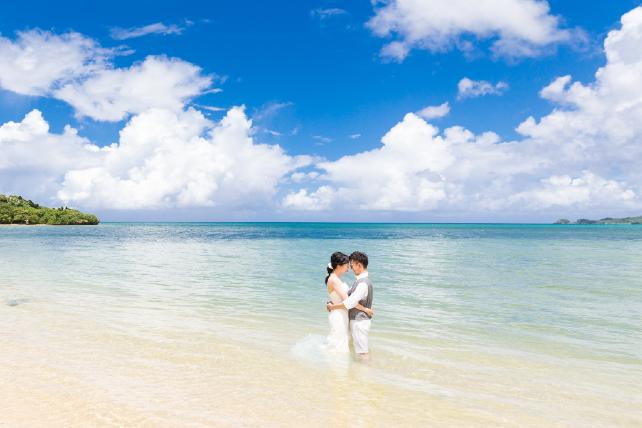 人気ランキング第4位石垣島トラッシュザドレスウェディング 沖縄ウェディングオンライン