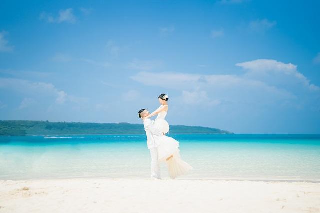 結婚式しない代わりのおすすめは?|沖縄ウェディングオンライン